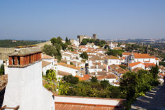 被围住的bidos城镇 库存图片