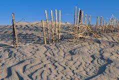 被埋没的范围沙子木头 库存照片