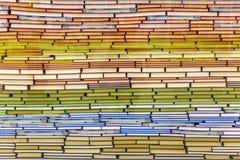 被堆积的书一座大山  免版税库存图片