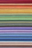 被堆积的五颜六色的纸-颜色样品 图库摄影