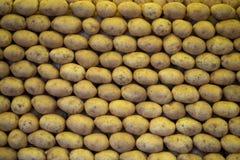 被堆积的土豆 免版税库存照片