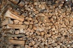 被堆积的木柴在围场 库存照片