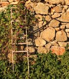被堆积的石头墙壁  库存图片
