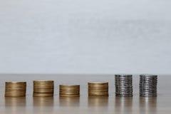 被堆积的硬币巴西真正 库存照片