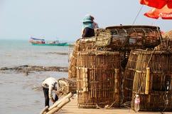 被堆积的篮子在螃蟹市场上在Kep 免版税图库摄影