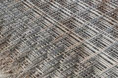被堆积的网格钢筋 库存图片