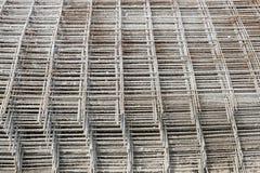 被堆积的网格钢筋 免版税库存图片