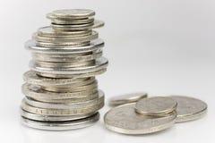被堆积的老欧洲硬币 免版税图库摄影