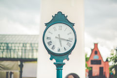 被安置的时钟的图片户外 免版税库存照片