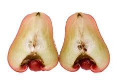 被对分的苹果番石榴 免版税库存照片