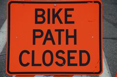 被封锁的自行车道路 免版税库存照片