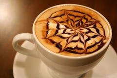 被射击的接近的咖啡杯  免版税库存图片