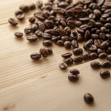 被射击的豆接近的咖啡 免版税库存照片