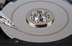 被开张的有缺陷的磁盘驱动器坚硬 库存照片