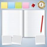 被开张的空白书 与铅笔的空白的书 指南针 库存图片