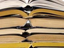被开张的3本书 免版税库存图片