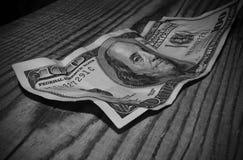 被弄皱的一百元钞票 库存图片