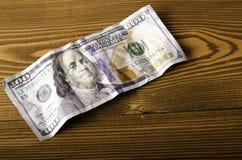 被弄皱的票据$ 100特写镜头 库存图片