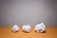被弄皱的纸张 企业失望、工作压力和不合格的检查概念 图库摄影