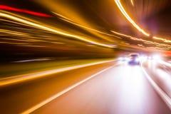 被弄脏的光,交通长的曝光照片  库存照片