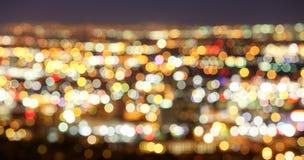 被弄脏的城市光,抽象都市背景 免版税库存照片