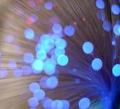 被弄脏的抽象桃红色和蓝色bokeh光 圣诞节假日defocused背景 免版税库存照片