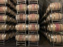 被弄脏的葡萄酒桶 免版税库存照片
