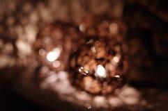 被弄脏的麻线球装饰圣诞灯 图库摄影