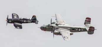 被恢复的二战美国航空器采取对天空 库存图片