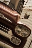 被恢复的葡萄酒卡车 免版税库存照片