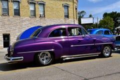 被恢复的1954恢复了紫色雪佛兰 库存图片