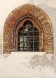 被成拱形的哥特式中世纪视窗 免版税图库摄影