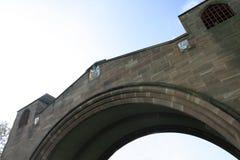 被成拱形的桥梁有历史的彻斯特 免版税库存照片