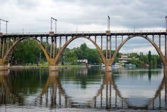 被成拱形的桥梁 图库摄影