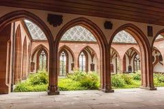 被成拱形的段落在巴塞尔大教堂里  瑞士 免版税库存图片