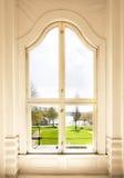 被成拱形的视窗 免版税库存照片