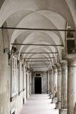 被成拱形的走廊 库存图片
