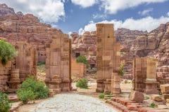 被成拱形的门在古城Petra (约旦) 库存图片