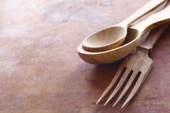 被手工造的木厨房器物 免版税图库摄影
