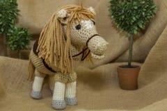被手工造的玩具马 免版税图库摄影