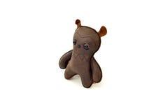 被手工造的风俗充塞了皮革正确玩具可怕的熊- 免版税图库摄影