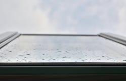 被打开的屋顶窗口 图库摄影