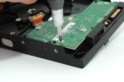 被打开的接近的磁盘驱动器坚硬 库存照片
