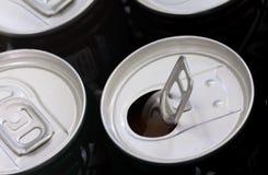 被打开的软饮料能 库存照片
