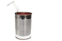 被打开的锡罐用红色蕃茄 库存图片