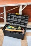 被打开的建筑工具箱 库存照片