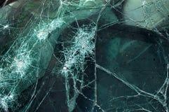 被打碎的挡风玻璃 库存图片