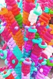 被扭转的五颜六色的气球 库存照片