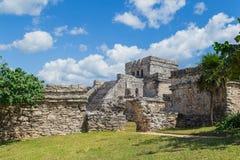 被找出的玛雅墨西哥半岛破坏tulum尤加坦 老城市 Tulum考古学站点 里维埃拉玛雅人 墨西哥 库存图片