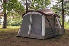 被投的帐篷 库存照片